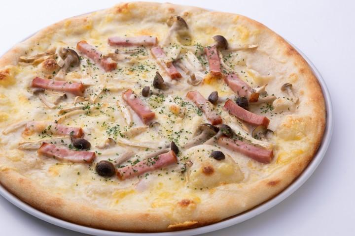 クリームピザ
