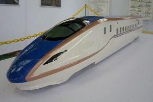 2015年春に登場した北陸新幹線新型車両「W7系」