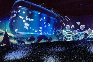 「クラゲゾーン」が幻想的な京都の冬景色に変身