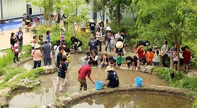 「京の里山」で稲作体験プログラム「里山教室2018~里山で遊ぼう~」